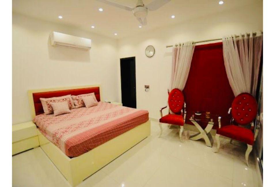 Luxury 5 bedrooms Golf View Suites