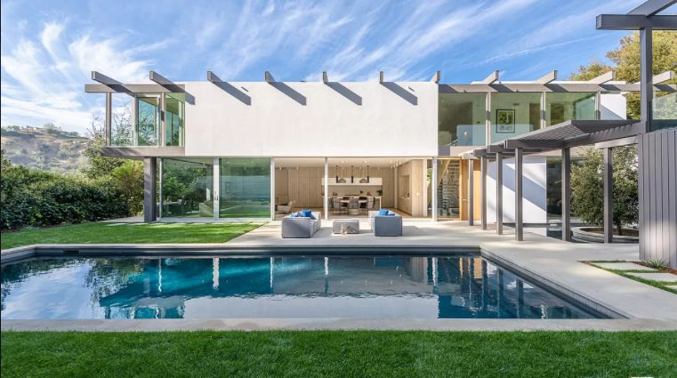 Upscale and Classy Ultra-Modern Homes Are Trendy in the Market