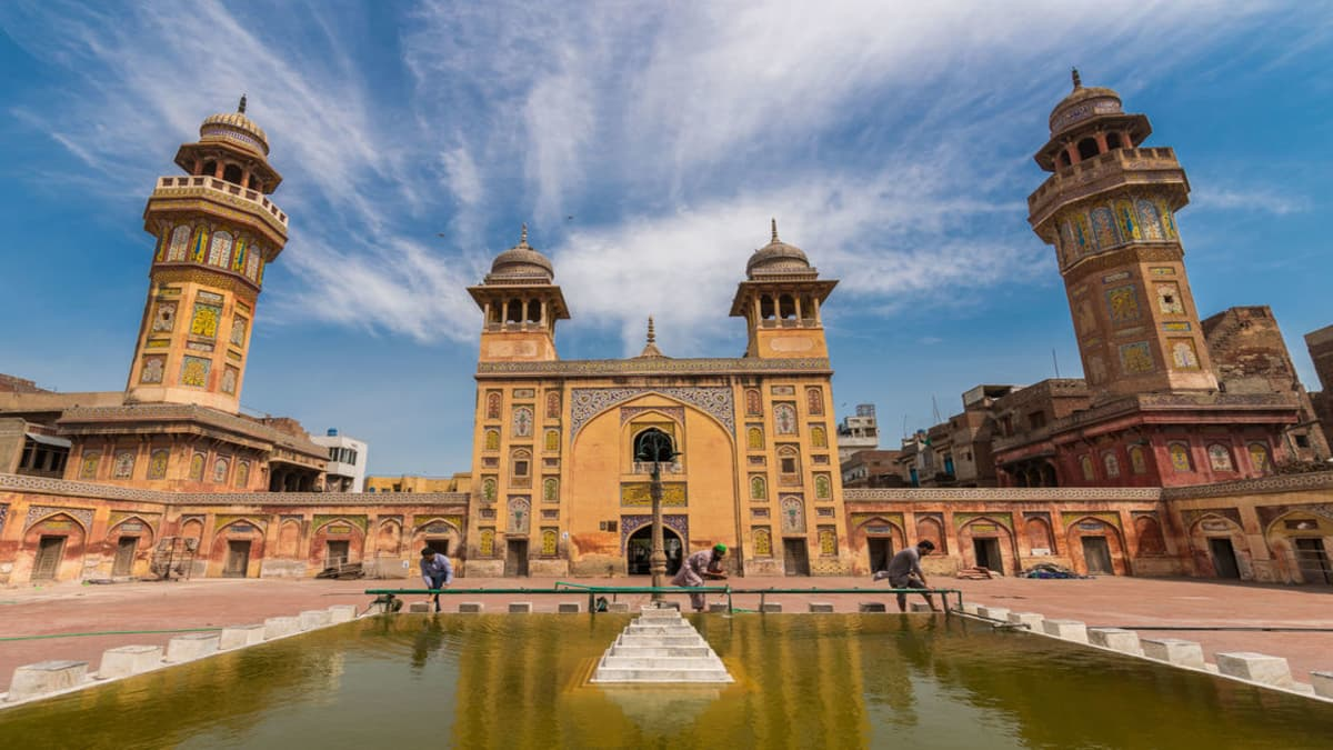 15 Unmissable Places To Visit In Lahore
